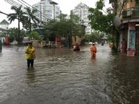 Hà Nội: Nhiều nhà bị tốc mái, 3 người bị thương do bão số 3