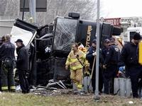 Tai nạn xe bus tại New York, nhiều khách du lịch bị thương