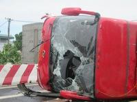 Hà Nam: TNGT nghiêm trọng, 8 người thương vong