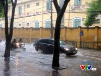 Hà Nội: Bão số 3 gây mưa lớn, ngập úng nhiều tuyến phố