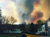 1.600 ngôi nhà tại Canada bị thiêu rụi trong biển lửa