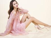 Hương Ly Next Top Model ngọt ngào với Những cánh hoa rơi
