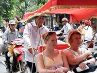 Khách du lịch đến Việt Nam trong tháng 7 tăng mạnh