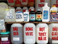 Phanh phui các vụ mua bán hóa chất độc hại tại chợ Kim Biên