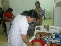Phú Yên: Ngộ độc bánh mì, 26 người nhập viện