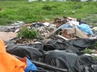 Hàng trăm tấn rác thải công nghiệp đổ ra môi trường tại Đồng Nai