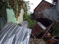 Lốc xoáy làm sập, tốc mái hàng trăm căn nhà tại ĐBSCL