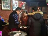Giới trẻ Hàn Quốc ngày càng thích phong cách ăn đứng