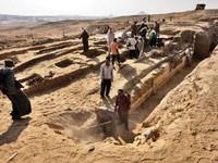 Tìm thấy chiếc thuyền lớn hơn 4.000 năm tuổi của người Ai Cập cổ đại