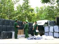 Long An: Phát hiện xe vận chuyển 35.600 gói thuốc lá ngoại nhập lậu