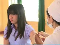 Phú Yên tiêm vaccine sởi - rubella cho học sinh THPT