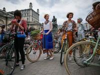 Ukraine: Hàng trăm phụ nữ tham gia tuần hành bằng xe đạp