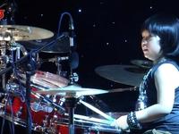 Vietnams Got Talent: Cậu bé đánh trống máu lửa với bản rock đình đám