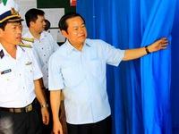 Phó Chủ tịch QH Đỗ Bá Tỵ kiểm tra công tác bầu cử ở huyện Trường Sa và Vùng 4 Hải quân