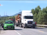 Xe quá tải tái tung hoành trên tuyến đường tránh Huế