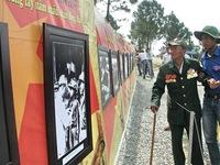 Triển lãm ảnh tại khu mộ Đại tướng Võ Nguyên Giáp