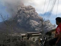 Indonesia: 11 người thiệt mạng do núi lửa phun trào