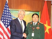 Tiếp xúc song phương Bộ trưởng Quốc phòng Việt Nam - Mỹ