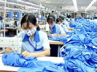 Lương tối thiểu vùng 2015: Chốt đề xuất tăng 15%