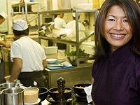 Chân dung người phụ nữ tạo cơn sốt món ăn Việt tại Bỉ