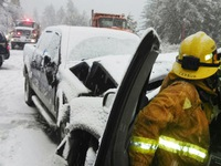 Tuyết rơi dày, người Mỹ khổ vì giao thông