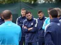 Lampard lần đầu tiên xuất hiện chính thức trong màu áo Man City
