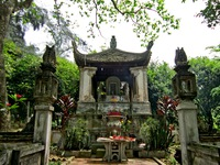 Dừng thi công dự án tôn tạo đền thờ và lăng Ngô Quyền