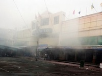 Cháy chợ đêm ở Sài Gòn, nhiều tiểu thương hoảng loạn