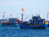 Trao 100 tủ thuốc sơ cấp cứu cho ngư dân Phú Yên