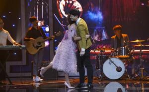 Vì mê trai đẹp Huỳnh Anh, giám khảo Thu Phương và Phương Thanh chấp nhận làm thí sinh để được song ca