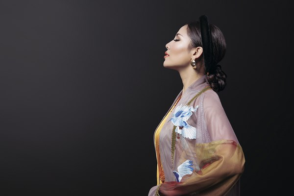 Ngây ngất với vẻ đẹp của Nguyễn Thị Loan trong tà áo tứ thân - Ảnh 7.