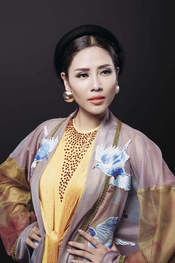 Ngây ngất với vẻ đẹp của Nguyễn Thị Loan trong tà áo tứ thân - Ảnh 2.