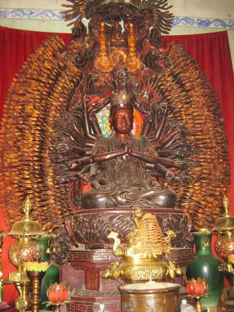 Hưng Yên:  Tìm thấy pho tượng Phật nghìn mắt nghìn tay bị đánh cắp - Ảnh 1.