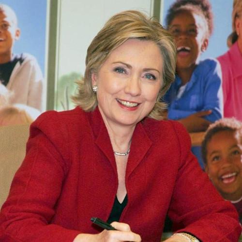 Thời trang tóc của bà Hillary Clinton thay đổi qua năm tháng - Ảnh 10.