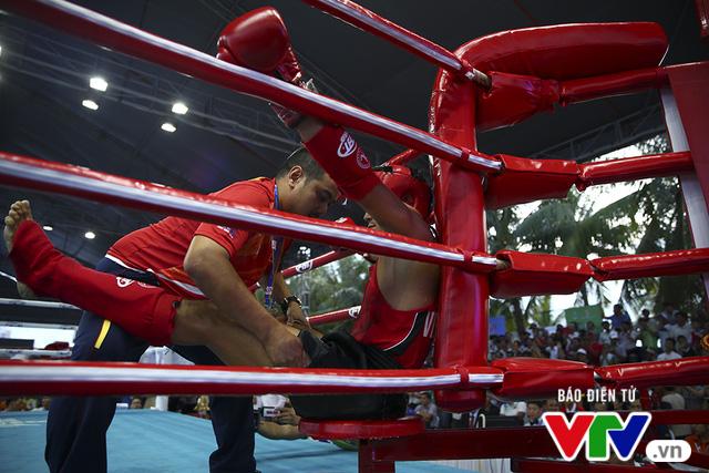 ABG 2016: Độc cô cầu bại Nguyễn Trần Duy Nhất ngạo nghễ trên sàn đấu Muay Thái - Ảnh 14.