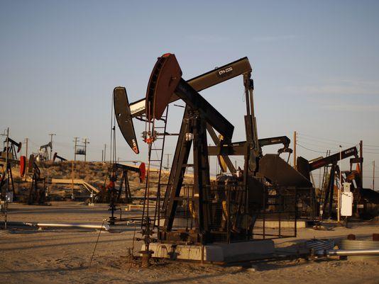 OPEC dự báo gây sốc về vàng đen trong năm 2017 - Ảnh 1.