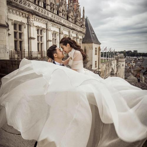 Ảnh cưới như cổ tích của cô nàng thời tiết Mai Ngọc - Ảnh 8.