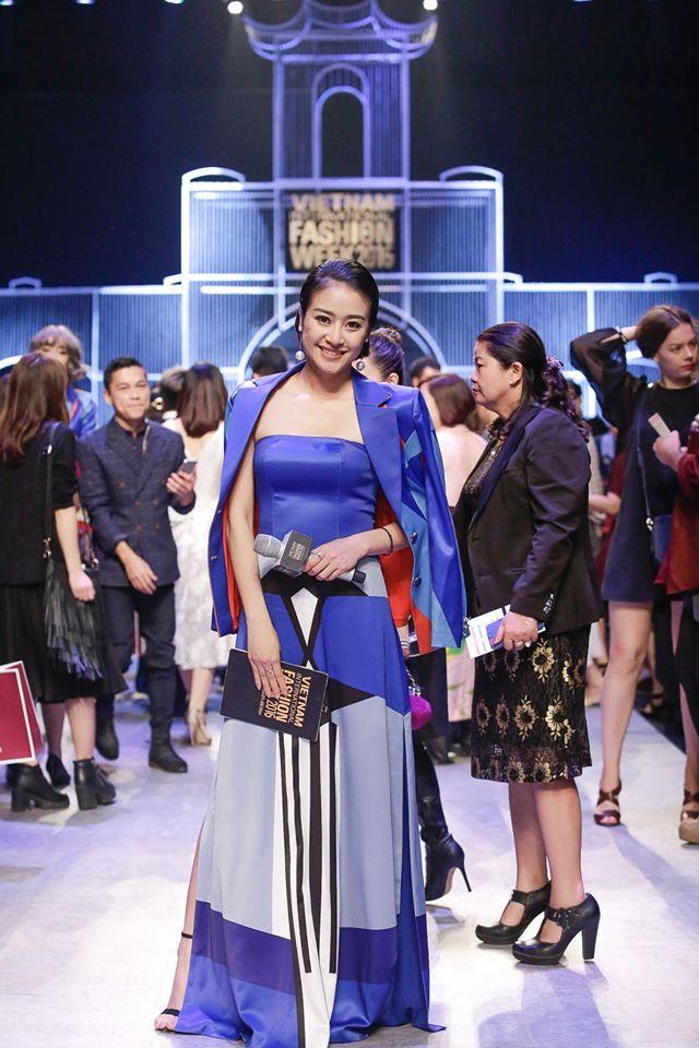 MC Phí Linh cá tính, đầy biến hóa tại Vietnam International Fashion Week - Ảnh 1.