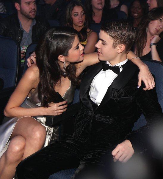 Selena Gomez đang tiến triển tốt tại trung tâm cai nghiện - Ảnh 1.