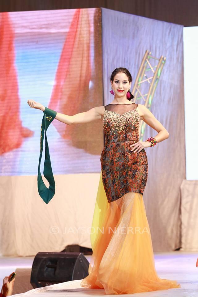 Những bộ cánh thời trang kém đẹp tại Hoa hậu Trái đất 2016 - Ảnh 3.
