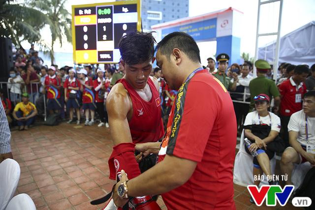 ABG 2016: Độc cô cầu bại Nguyễn Trần Duy Nhất ngạo nghễ trên sàn đấu Muay Thái - Ảnh 2.