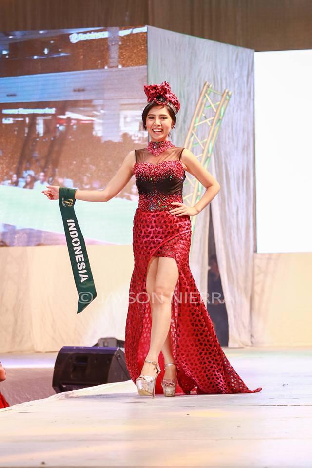 Những bộ cánh thời trang kém đẹp tại Hoa hậu Trái đất 2016 - Ảnh 4.
