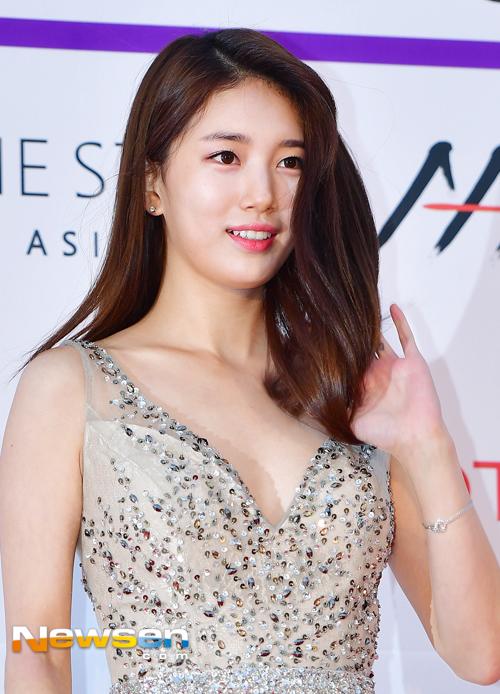 Suzy, Yoona đọ sắc với váy bồng công chúa - Ảnh 4.