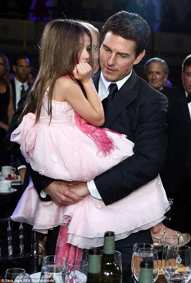 Tom Cruise đã liên hệ lại với con gái sau thời gian dài ghẻ lạnh - Ảnh 1.