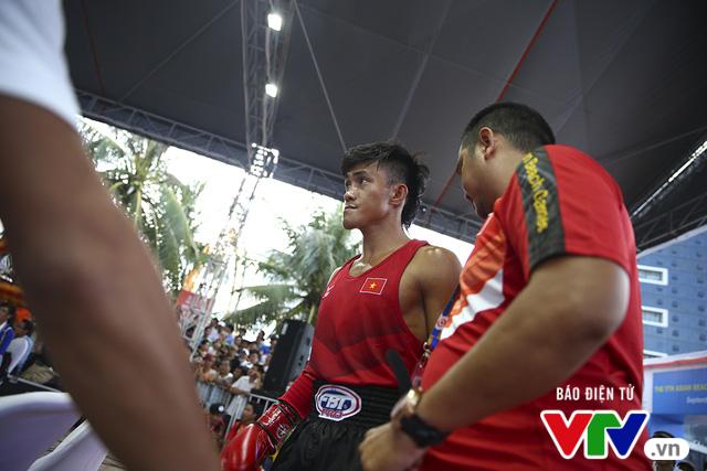 ABG 2016: Độc cô cầu bại Nguyễn Trần Duy Nhất ngạo nghễ trên sàn đấu Muay Thái - Ảnh 3.
