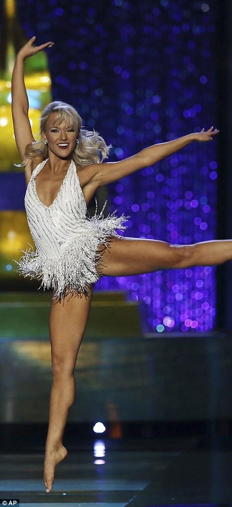 Cận cảnh nhan sắc cô gái 21 tuổi đăng quang Hoa hậu Mỹ - Ảnh 7.