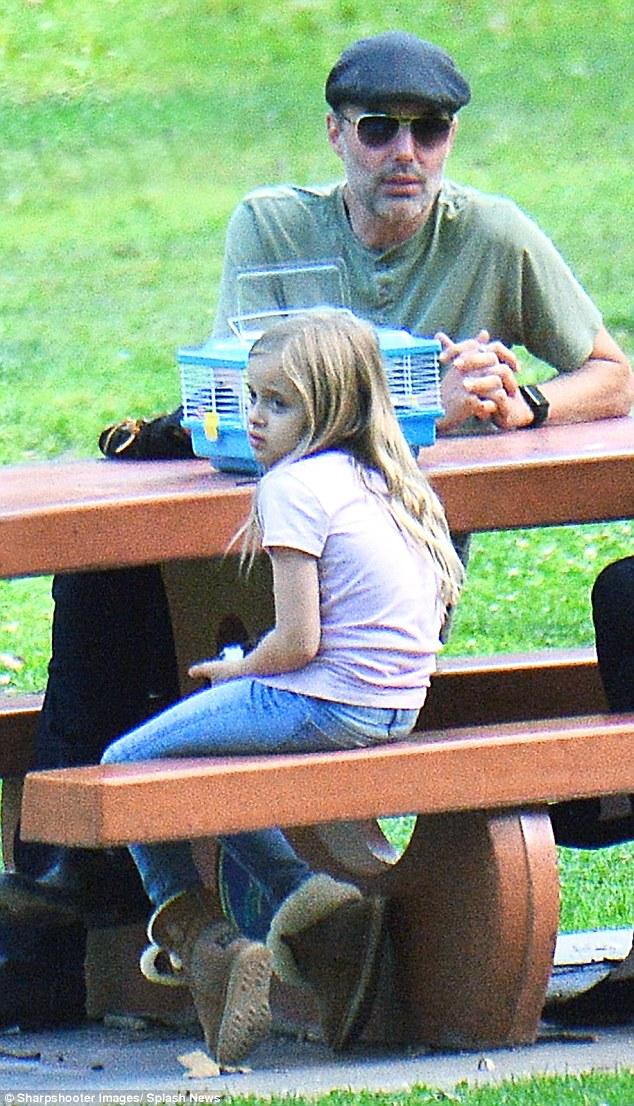 Anh trai Angelina Jolie thế chân Brad Pitt? - Ảnh 5.