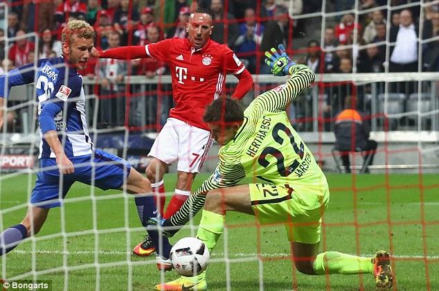VIDEO, Bayern Munich 3-0 Hertha Berlin: Robben ghi bàn ngày trở lại - Ảnh 1.