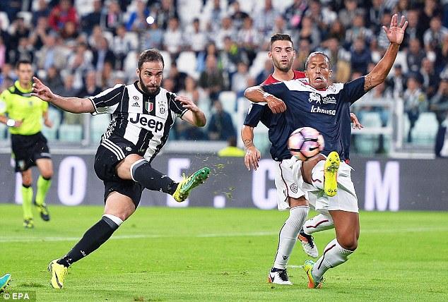 VIDEO, Juventus 4-0 Cagliari: Tân binh tỏa sáng, Juve giành lại ngôi đầu - Ảnh 1.