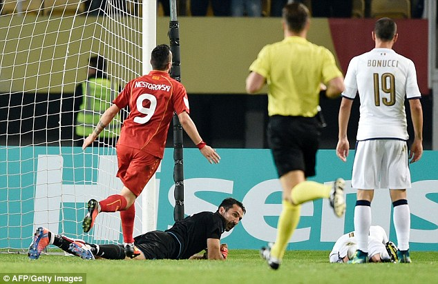VIDEO, Macedonia 2-3 Italia: Immobile tỏa sáng, Italia ngược dòng ngoạn mục - Ảnh 2.